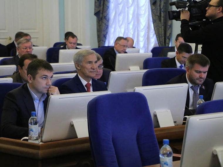 Омские народные избранники непротив самовыдвиженцев навыборах губернатора