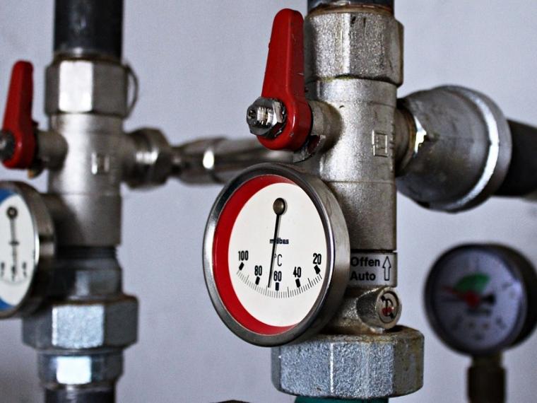Долги омичей затепло игорячую воду превысили 2,3 млрд руб.