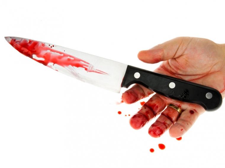 Житель Русской Поляны нарвался на нож в омском кафе
