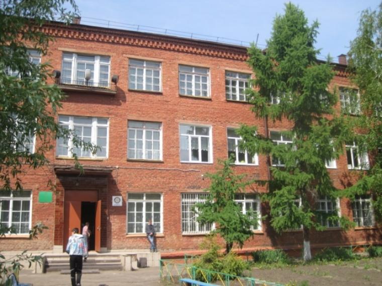 В минобразования решили объединить две омские адаптивные школы в одну
