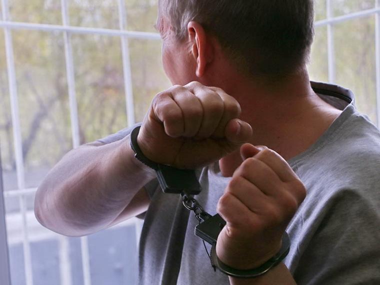 Омского кочегара подозревают в заточении двух подростков