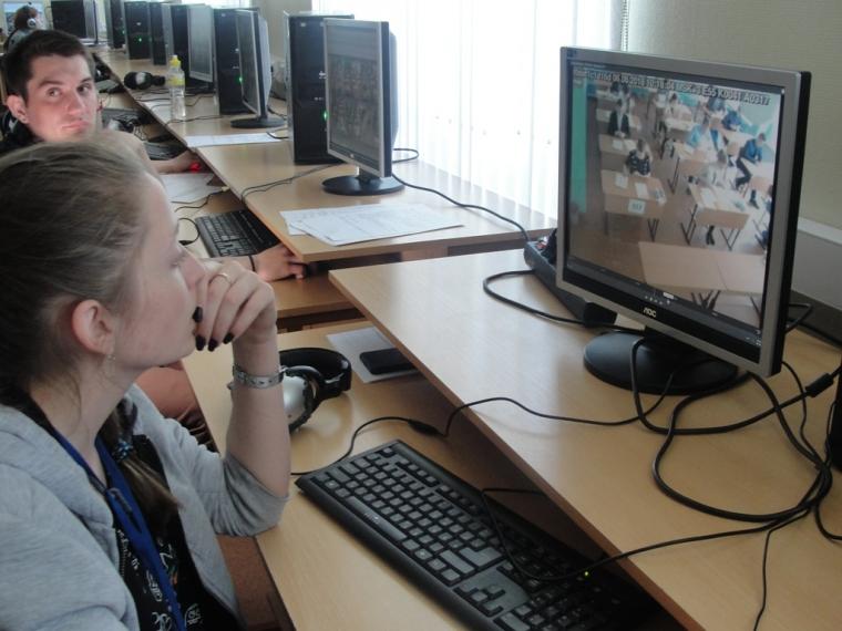 Общественных наблюдателей в Омске насторожил переданный участнику ЕГЭ словарь