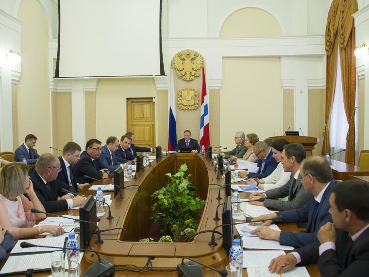 Омские детские поликлиники получат новую аппаратуру на 335 млн рублей