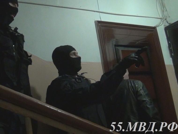 В Омске за торговлю героином бывший сотрудник отдела наркоконтроля отправился в колонию
