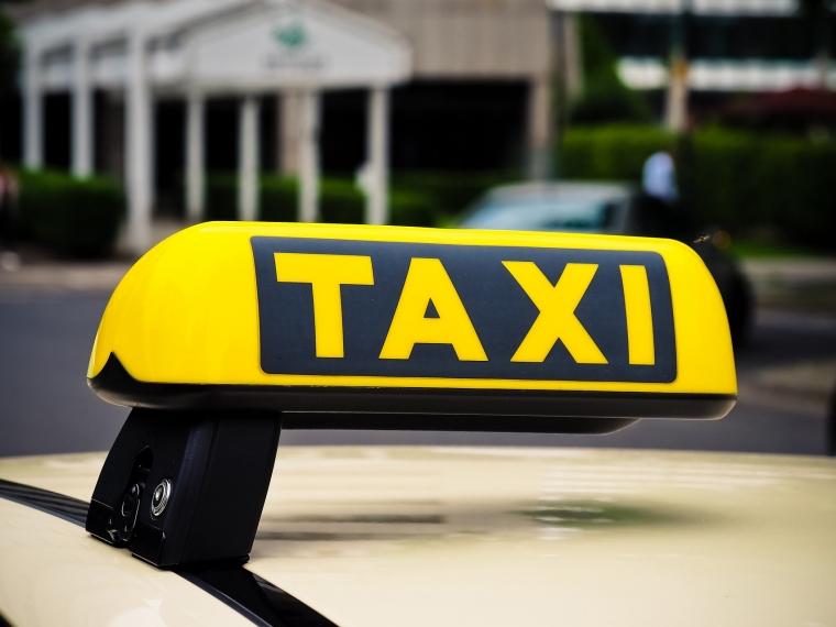 В омской больнице скончался пассажир, которого жестоко избил водитель такси