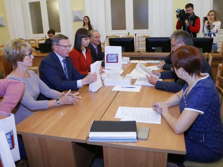 Доверенные лица Буркова объяснили высокую поддержку кандидата омичами