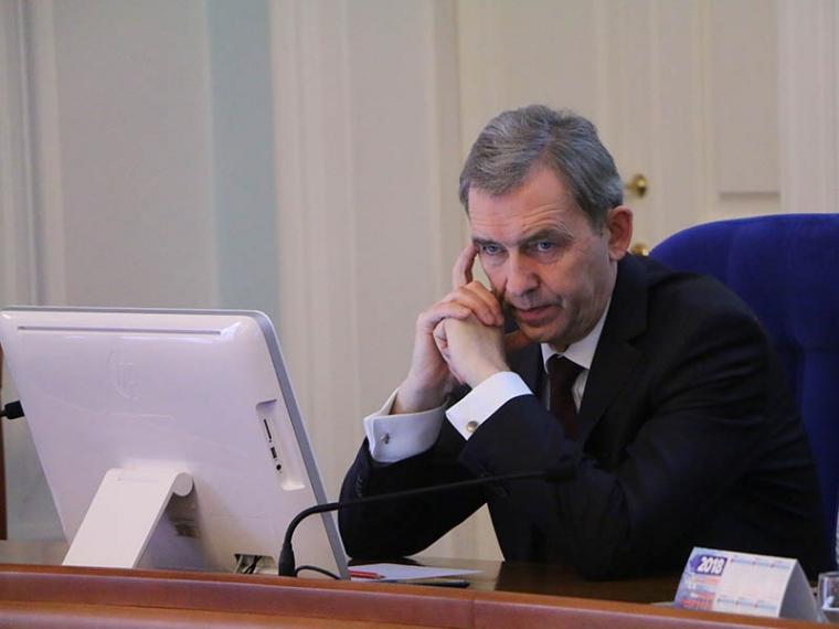 Омские единороссы выступили с законодательной инициативой по сохранению пенсионерам всех региональных льгот