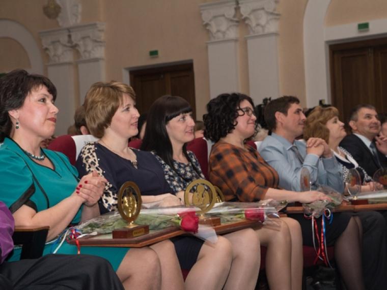 В списке лучших учителей России оказались 14 омских педагогов