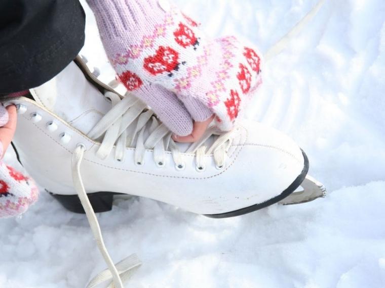 По скользкой дорожке: где омичам покататься на коньках #Культура #Омск