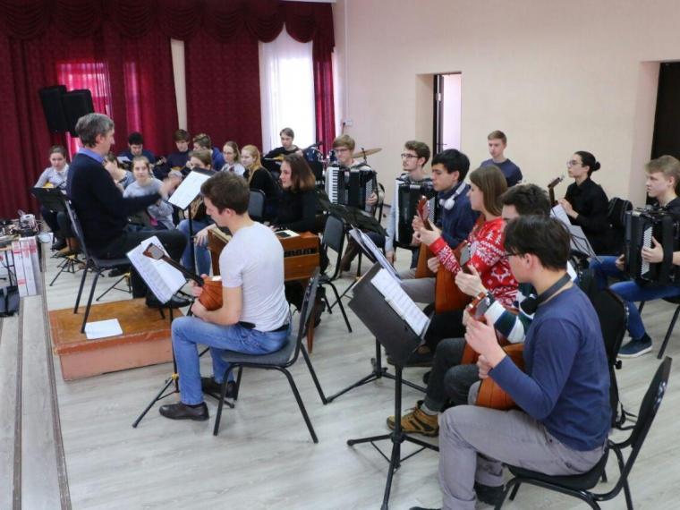 Студенты омской «Шебалинки» осваивают новые инструменты от Путина #Культура #Омск