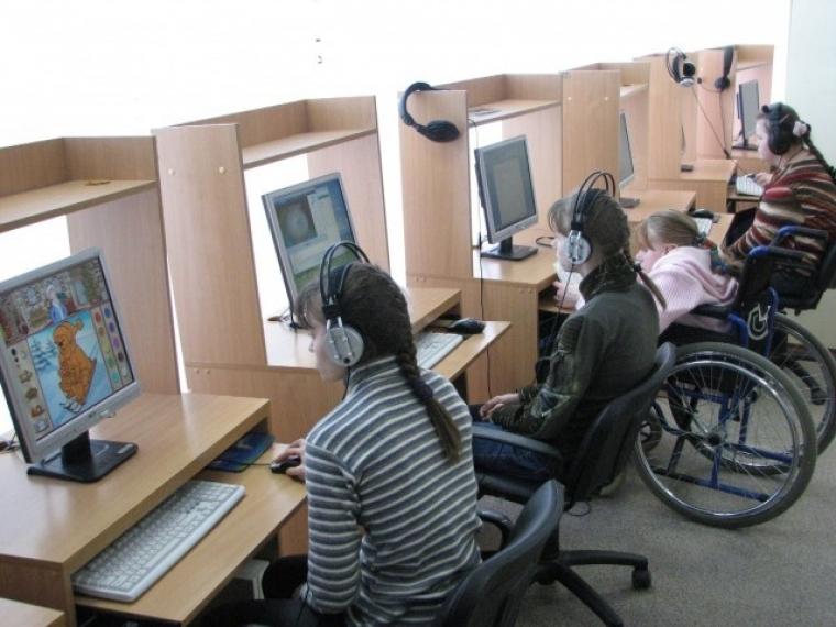 Для омичей с инвалидностью создали банк резервируемых рабочих мест