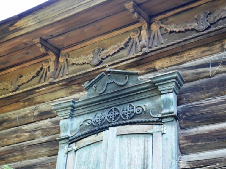 Погибающий деревянный особняк Хлебникова в центре Омска продают почти за 10 миллионов #Культура #Омск