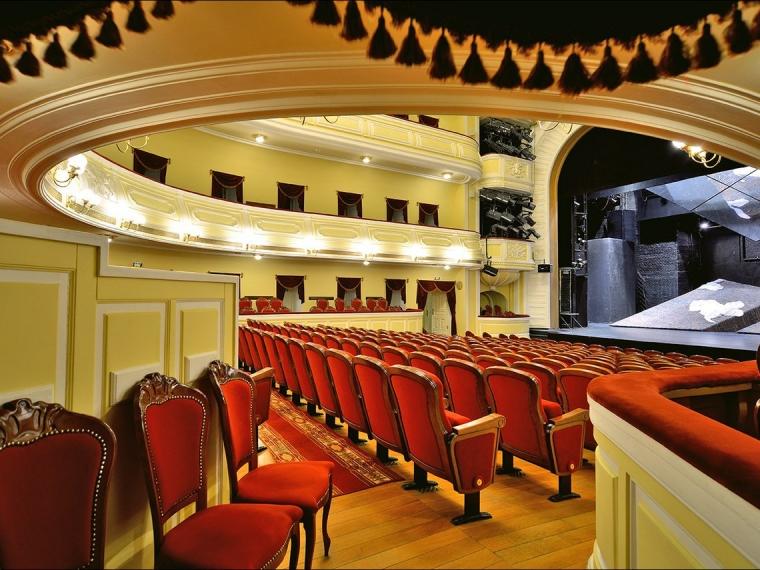 Омский драмтеатр подарит зрительницам 500 тюльпанов #Культура #Омск