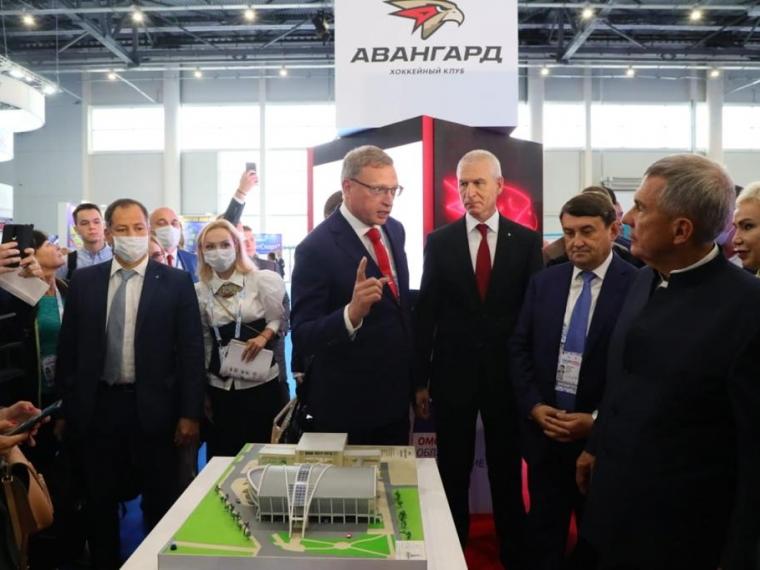 Бурков и Канаева представили омский спорт на Международном форуме в Казани