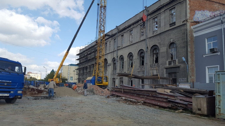 Нареконструкцию омской «Галерки» обещали дать еще 153,4 млн руб.