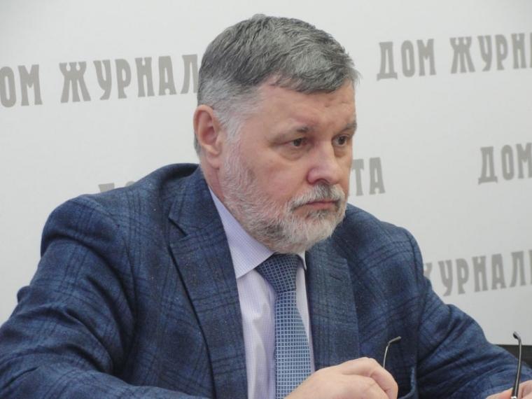 Ректор ОмГТУ заработал в 2017 году вдвое больше ректора ОмГУ